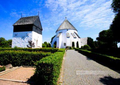 Bornholm-Osterlars Kirche- Rundkirche mit Turm-Østerlars-Sommer