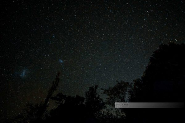 Das Elquital (Valle del Elqui) in Chile nachts, wo die vielen Sterne am Himmel besonders gut zu sehen sind