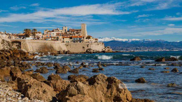 Frankreich- Antibes – Stadtmauer – Ufermauer - Felsküste - Côte d' Azur - Mittelmeer - Südfrankreich