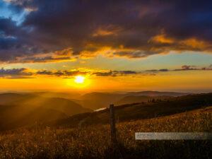 Sonnenuntergang und Fernblicke an Route des Crêtes in den Vogesen
