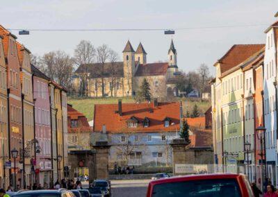 Blick auf die Dreieinigkeitskirche von Stadt am Hof