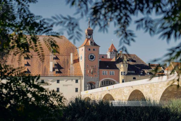 Sommermorgen am Salzstadel direkt an der Steinernen Brücke